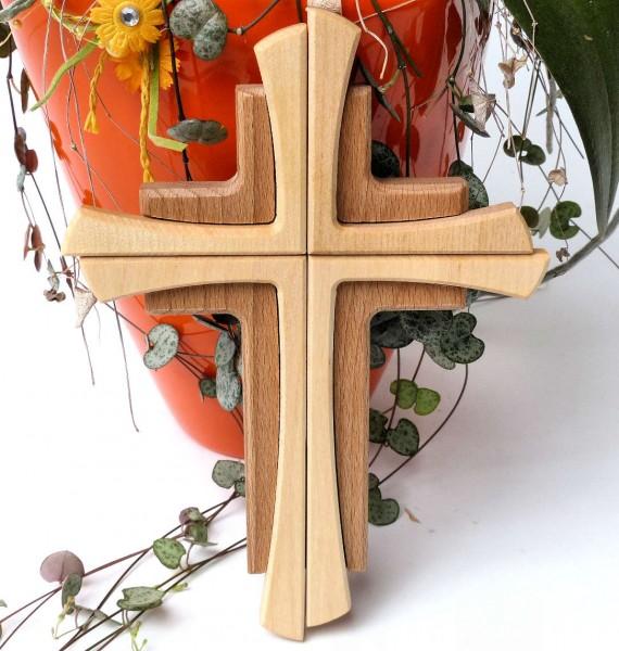 Kreuz in Kreuz, Wandkreuz