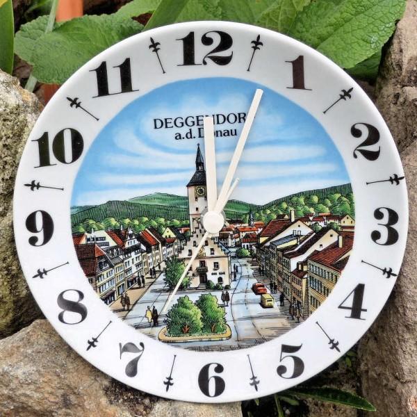 Uhr rechtslaufend, Deggendorf